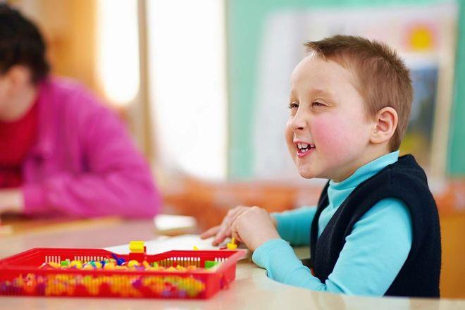 Nhận biết trẻ chậm phát triển trí tuệ - Ảnh 1