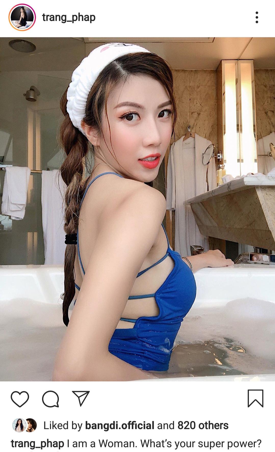 Bên cạnh đó, Trang Pháp cũng tự tin khoe hình ảnh trẻ trung, sexy trong bồn tắm ngay sau khi đám cưới của tình cũ Dương Khắc Linh diễn ra.