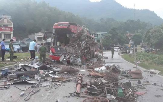Thông tin mới nhất vụ tai nạn xe khách kinh hoàng ở Hòa Bình: Đã có 4 người tử vong, 41 người bị thương - Ảnh 2
