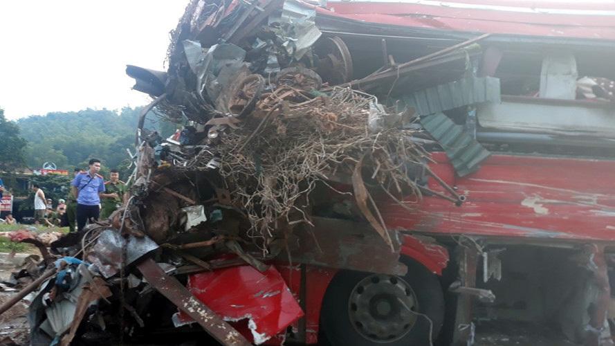 Kinh hoàng xe phế liệu tông xe giường nằm ở Hòa Bình, xác định danh tính 3 người chết, gần 40 nạn nhân bị thương - Ảnh 7