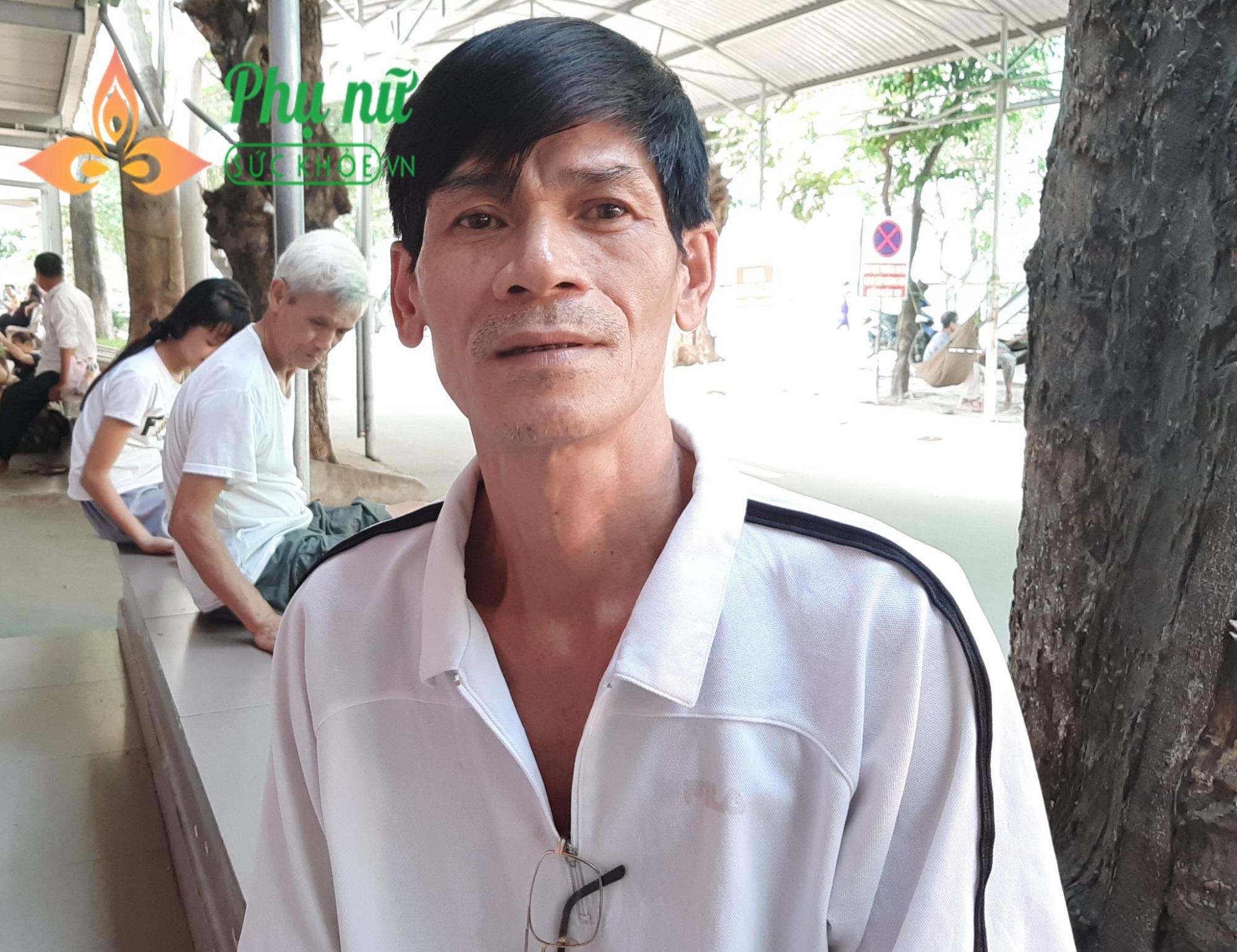 Người đàn ông đi làm thợ hồ bị xuất huyết não, tính mạng nguy kịch, mẹ già 82 tuổi khóc nghẹn - Ảnh 3