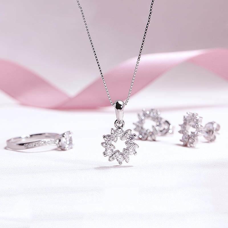 Những gợi ý trang sức bạc cho mùa hè sôi động - Ảnh 1