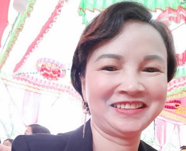 Những dòng chia sẻ 'lạ' trên Facebook của mẹ nữ sinh giao gà trước khi bị bắt - Ảnh 1