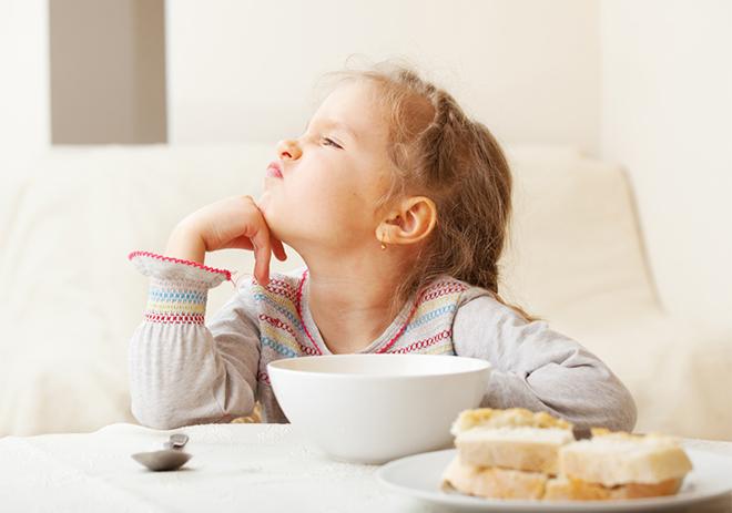 Những sai lầm của bố mẹ khiến con biếng ăn, chậm lớn, 99% các cha mẹ đều mắc. - Ảnh 1
