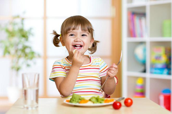 Những sai lầm của bố mẹ khiến con biếng ăn, chậm lớn, 99% các cha mẹ đều mắc. - Ảnh 3