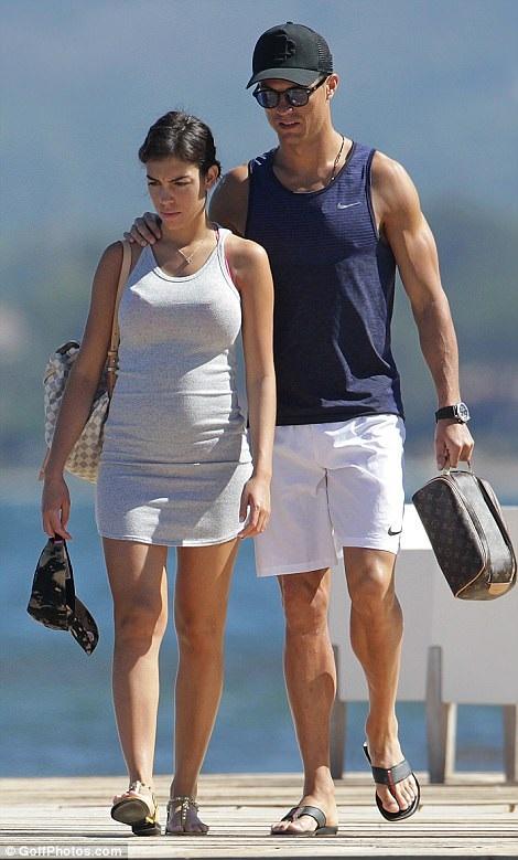 Nghi vấn bạn gái Ronaldo mang bầu - Ảnh 2
