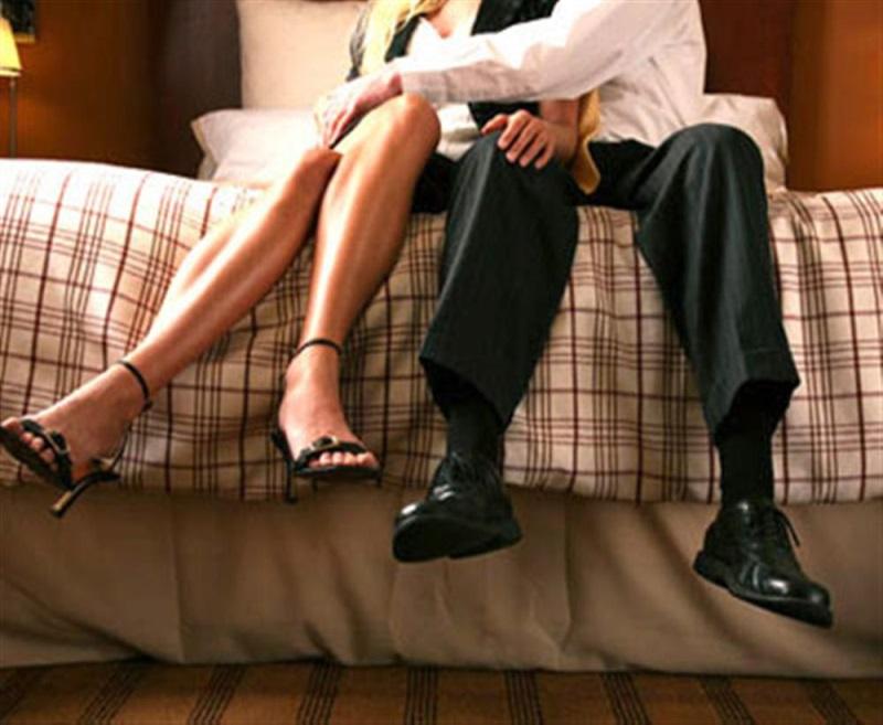 Lẽ thường: Đàn ông ngoại tình vì tình dục, đàn bà ngoại tình vì tình yêu - Ảnh 2