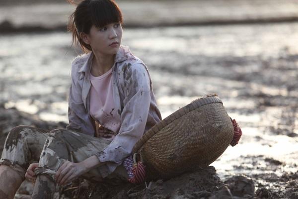Vòng eo 56 là bộ phim nói về cuộc đời của Ngọc Trinh -