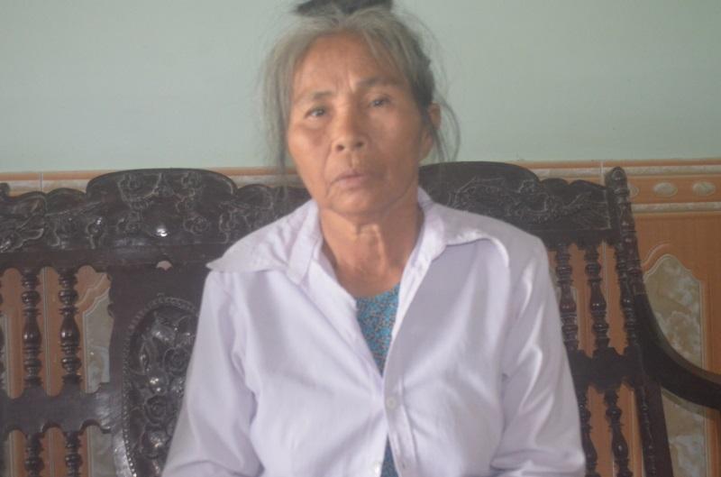 Bi kịch: Cụt hai chân sau tai nạn, người đàn ông bị vợ bỏ phải sống dựa vào mẹ già 70 tuổi - Ảnh 3