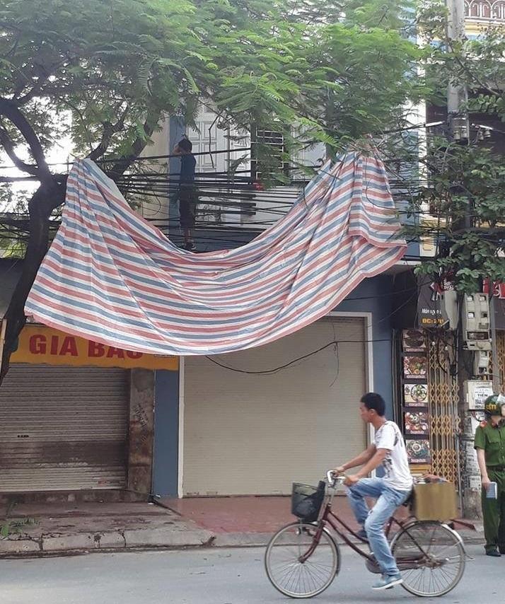 Giận vợ không cho kinh doanh, người đàn ông Hàn Quốc treo cổ tự tử giữa đường phố Hải Phòng - Ảnh 1