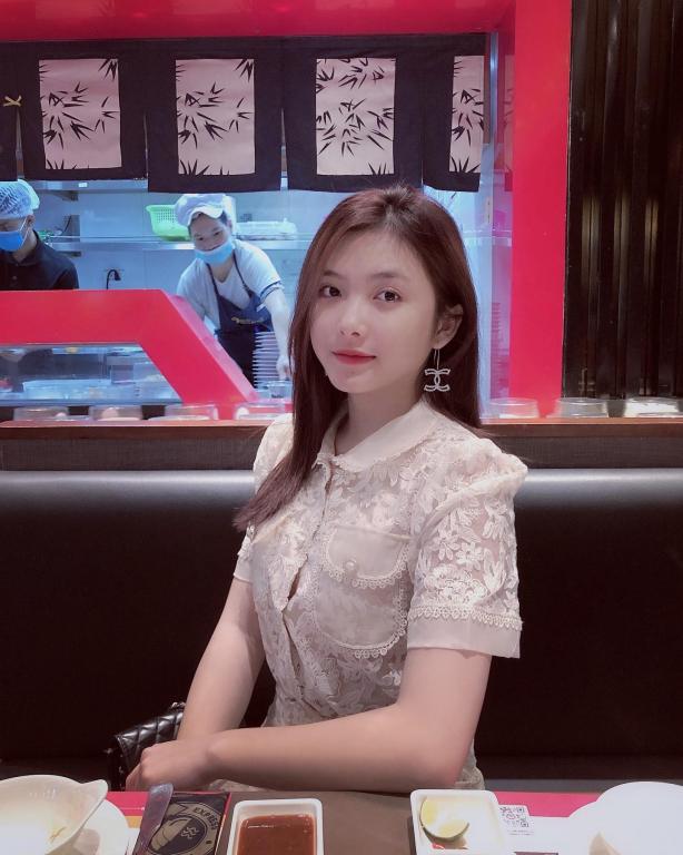 Hot girl Thái Nguyên với nhan sắc đốn tim bao chàng từ cái nhìn đầu tiên - Ảnh 2
