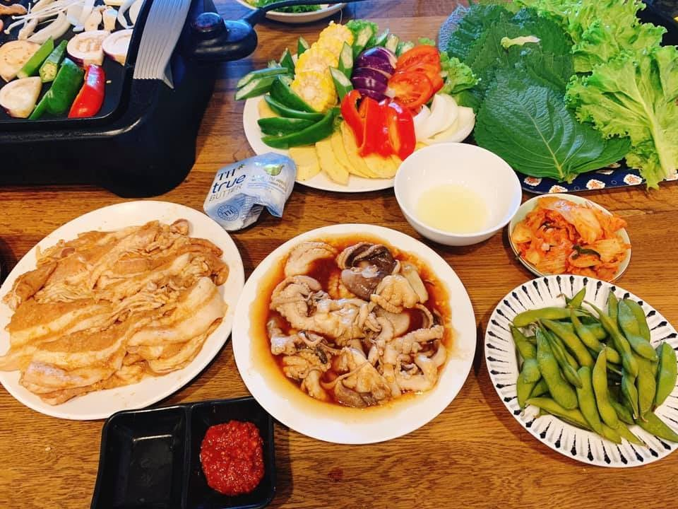 Mát trời lạnh lạnh ngồi cạnh bàn nướng thịt nướng Hàn Quốc cùng chai rượu thì cứ gọi là hết ý  - Ảnh 4