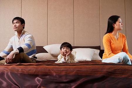 Trẻ giao tiếp kém, khó thành công khi thường xuyên chứng kiến cha mẹ cãi nhau - Ảnh 3