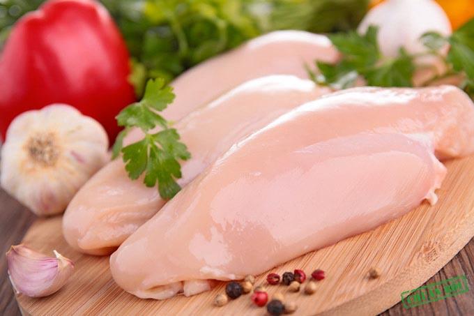 Thịt gà không da thúc đẩy tái tạo collagen.
