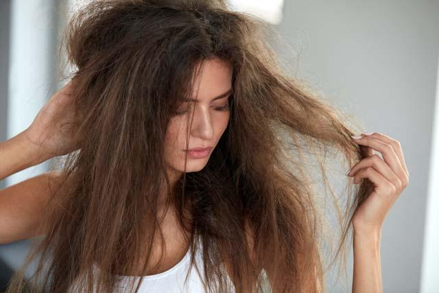 Đặt máy sấy quá gần sẽ làm hại tóc