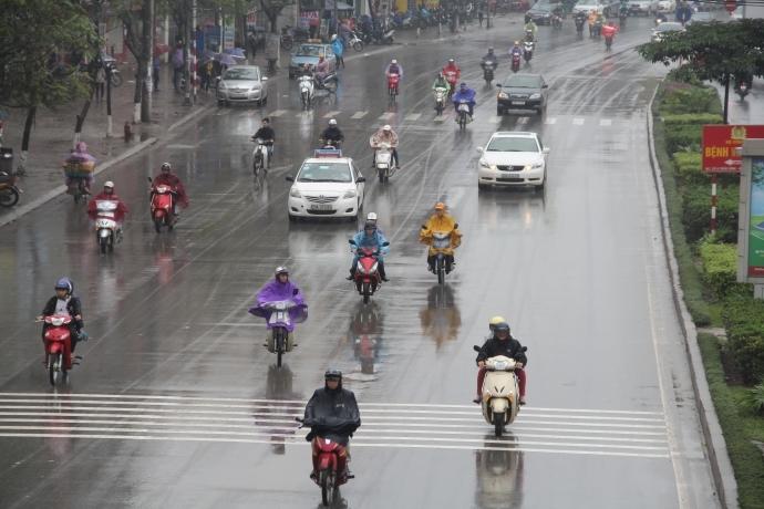 Trời mưa phùn tiềm ẩn nhiều nguy cơ gây bệnh