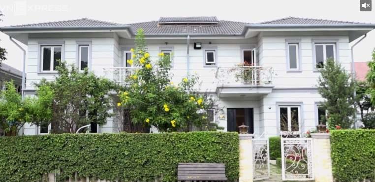 Hồ Quỳnh Hương khoe biệt thự triệu đô, đẹp như cung điện hoàng gia