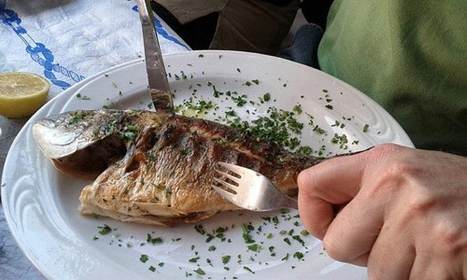 Nhà nào thường ăn cá thì phải chú ý kỹ những điều này kẻo trúng độc tử vong lúc nào không hay - Ảnh 3