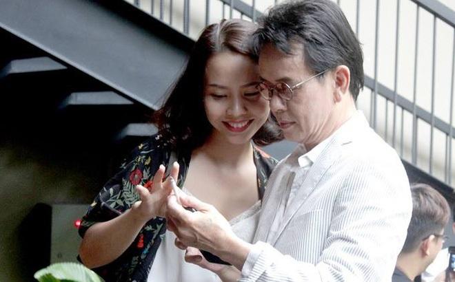Nhạc sĩ Đức Huy chia sẻ bí quyết lấy vợ trẻ, có con ở tuổi 70