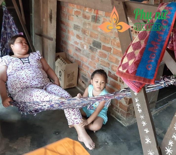 Xót xa người phụ nữ mắc bệnh hư thận bị chồng bỏ rơi, một mình bế tắc nuôi hai con thơ dại - Ảnh 4