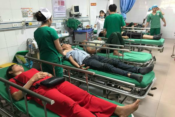 Nhân chứng vụ tai nạn khiến 15 người thương vong: Ám ảnh cảnh người nằm la liệt, hoảng loạn đau đớn - Ảnh 4