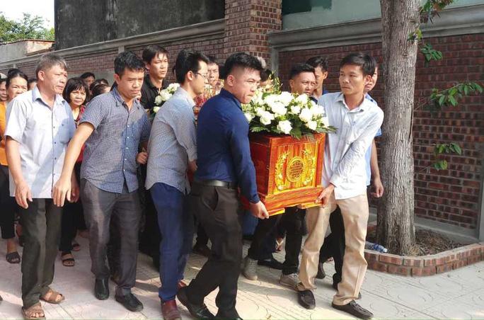 Xé lòng nơi quê nhà học sinh tử vong vì bị bỏ quên trên xe đưa đón trường Gateway - Ảnh 4