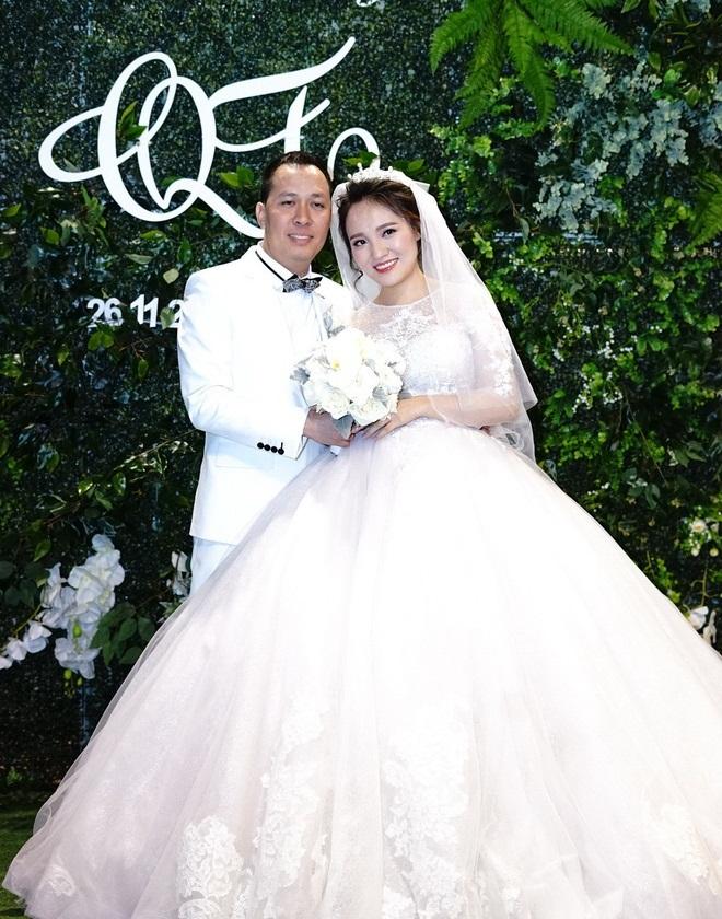 Ngọc Trinh, Vũ Khắc Tiệp cùng loạt sao Việt dự lễ cưới của Nhật Thủy Idol và bạn trai đại gia hơn 14 tuổi - Ảnh 1