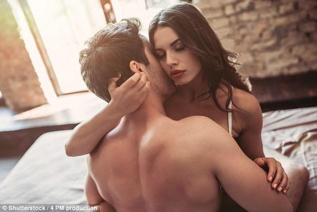 Chị em không nên làm việc này trước khi 'quan hệ' để tránh mắc bệnh ở 'vùng dưới' - Ảnh 1