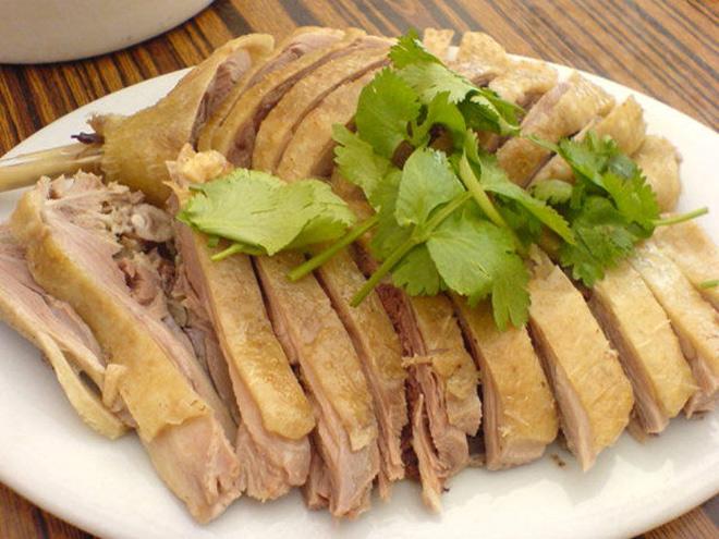 Người Việt thường ăn thịt vịt trong Tết Đoan Ngọ