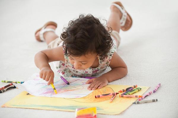 5 loại đồ chơi cho bé gái giúp phát triển trí thông minh - Ảnh 2