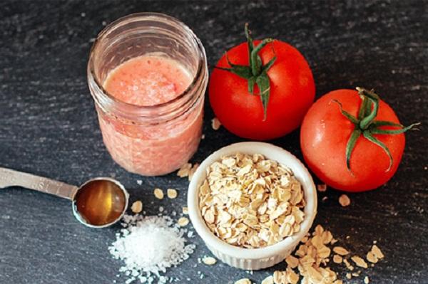 Cách điều trị mụn bằng cà chua an toàn, hiệu quả - Ảnh 1