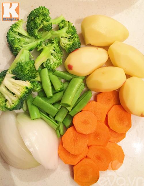 Thịt gà xiên nướng rau củ thơm lừng - Ảnh 2