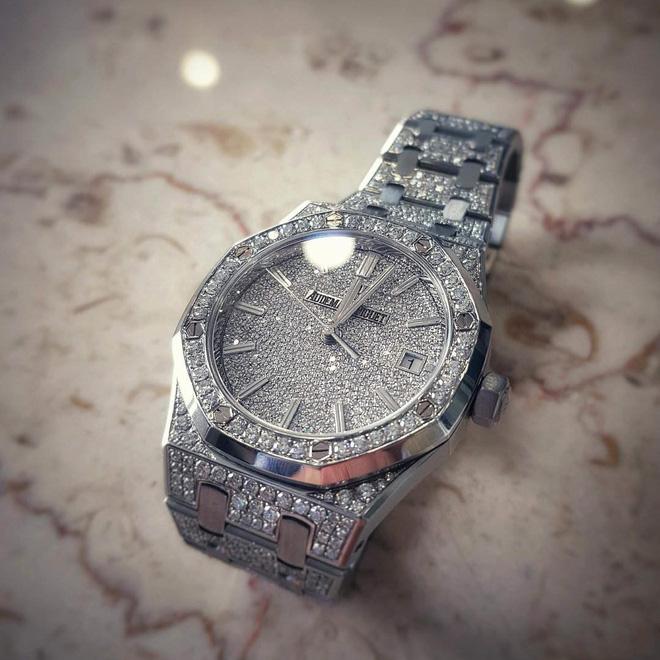 Mai Phương Thúy tiếp tục thể hiện độ chịu chơi khi khoe đồng hồ kim cương có giá hơn 2 tỷ đồng - Ảnh 1