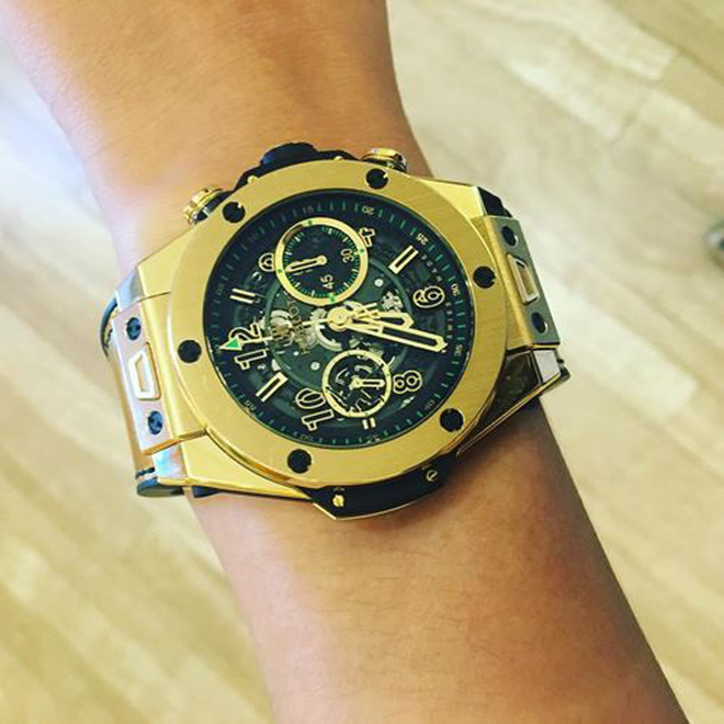Mai Phương Thúy tiếp tục thể hiện độ chịu chơi khi khoe đồng hồ kim cương có giá hơn 2 tỷ đồng - Ảnh 2