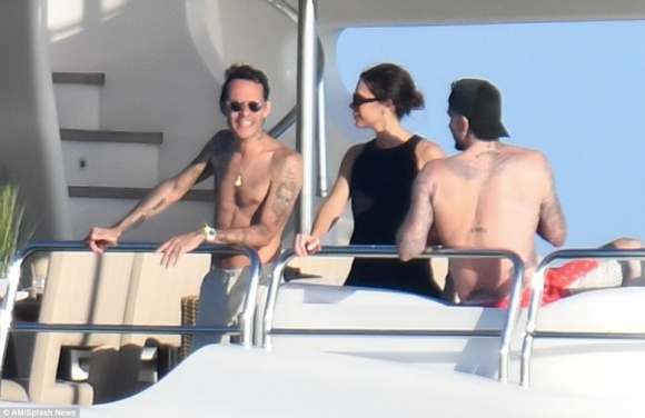 Gia đình David Beckham tiệc tùng thư giãn trên du thuyền hạng sang - Ảnh 5