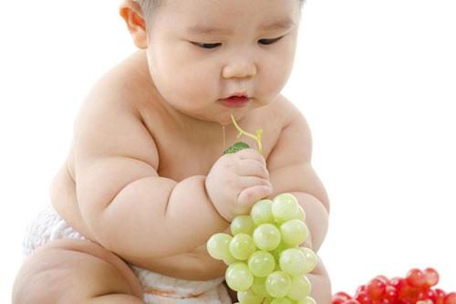 Trẻ bị béo phì vẫn có thể bị suy dinh dưỡng - Ảnh 1