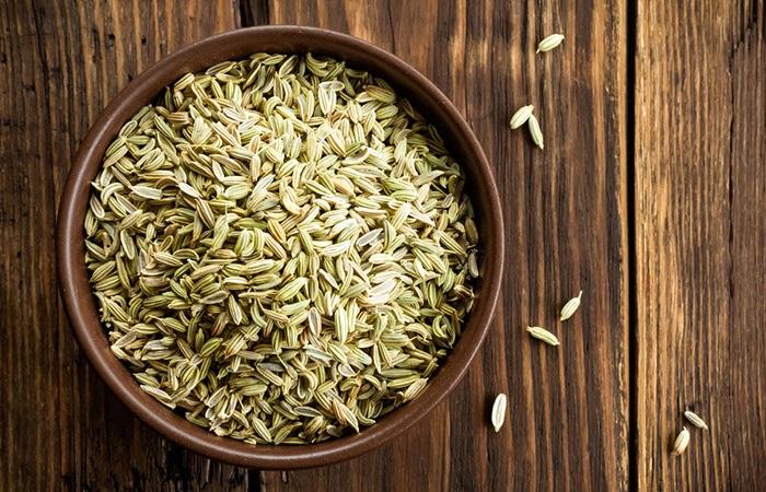 Hạt thì là fennel chữa trị hôi miệng tại nhà