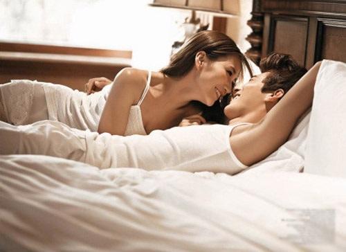 Hóa ra những hành động này của chị em lại khiến nam giới thích thú bội phần khi làm 'chuyện ấy' - Ảnh 2