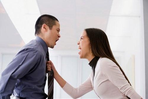 Hôn nhân tan vỡ khi đàn bà thích 'làm chồng' - Ảnh 1