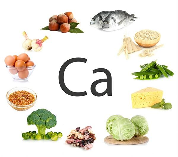 Thực phẩm chứa Canxi giúp thai nhi phát triển xương vững chắc.
