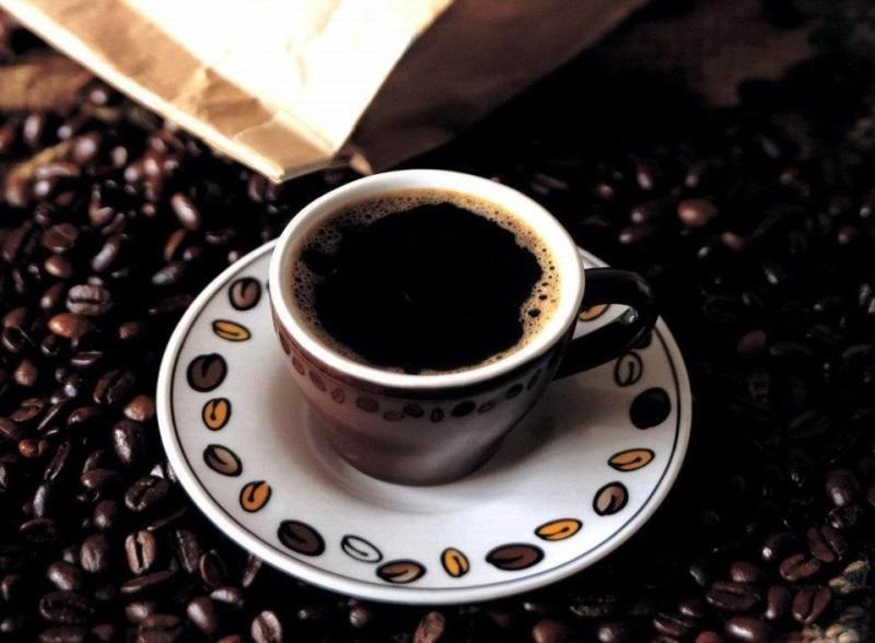 Nhuộm tóc đen bóng mượt với cà phê