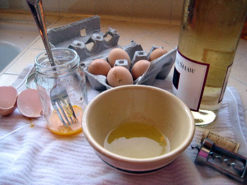 Nhuộm tóc tự nhiên tại nhà bằng cafe, rượu rum và lòng đỏ trứng gà