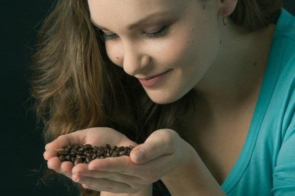 Nhuộm tóc tự nhiên bằng cà phê