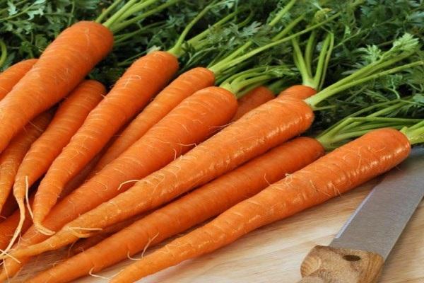 Nhuộm tóc màu đỏ cam bằng cà rốt đơn giản tại nhà