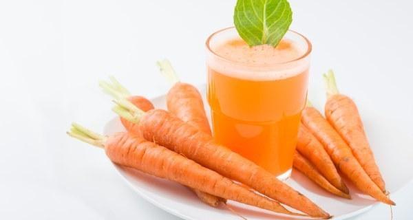 Nước ép cà rốt là một phương pháp nhuộm tóc tự nhiên hiệu quả