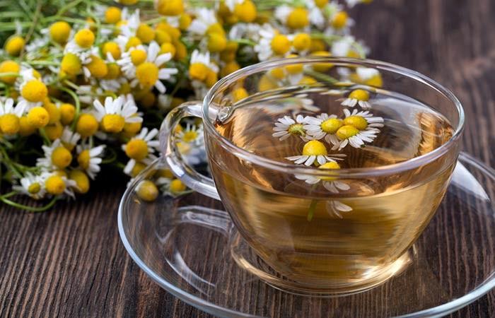 Trà hoa cúc là thuốc nhuộm tóc màu vàng tự nhiên phổ biến và dễ làm