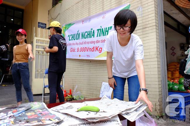 Nữ sinh Sài Gòn xuống đường 'cứu chuối' giúp bà con Đồng Nai - Ảnh 12