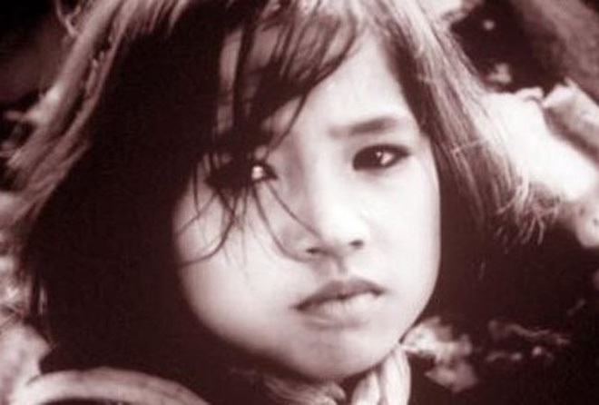 Khó nhận ra NSND Lan Hương 'Sống chung với mẹ chồng' với loạt ảnh trước khi dao kéo hạ gò má - Ảnh 1