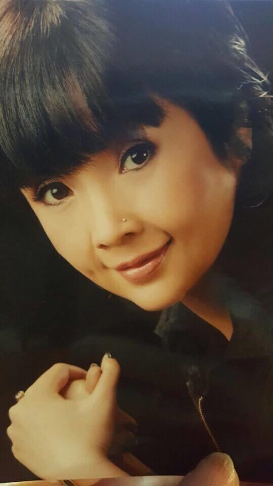 Khó nhận ra NSND Lan Hương 'Sống chung với mẹ chồng' với loạt ảnh trước khi dao kéo hạ gò má - Ảnh 4