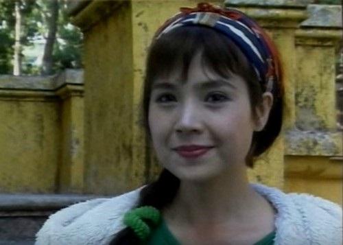 Khó nhận ra NSND Lan Hương 'Sống chung với mẹ chồng' với loạt ảnh trước khi dao kéo hạ gò má - Ảnh 3